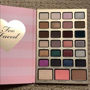 Too faced holiday palette
